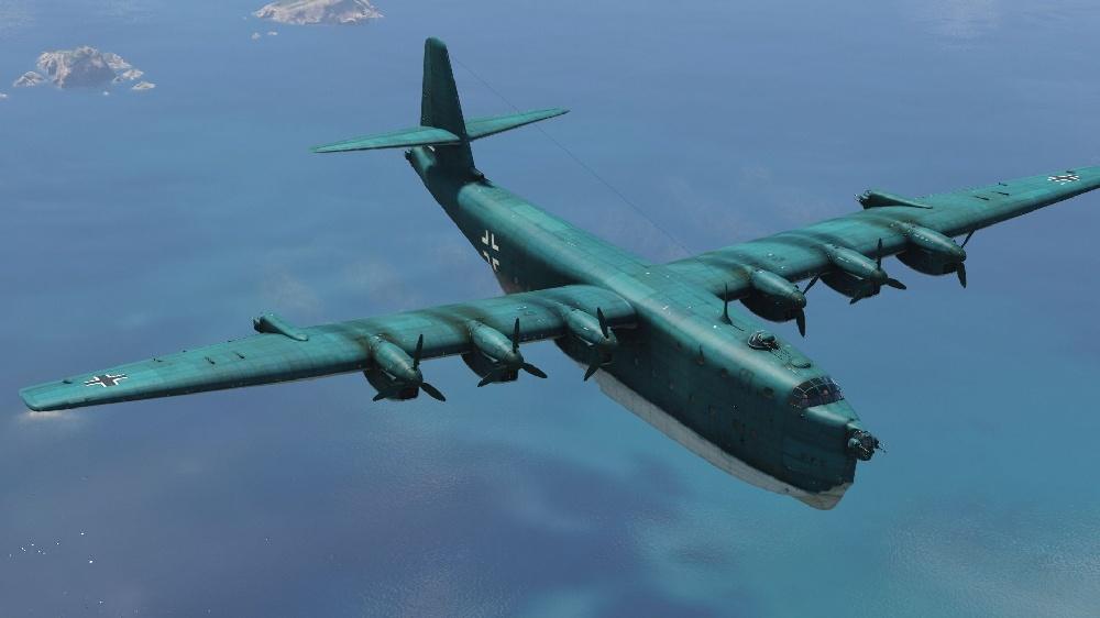 9 найбільших військових літаків, поруч з якими інші здаються букашками